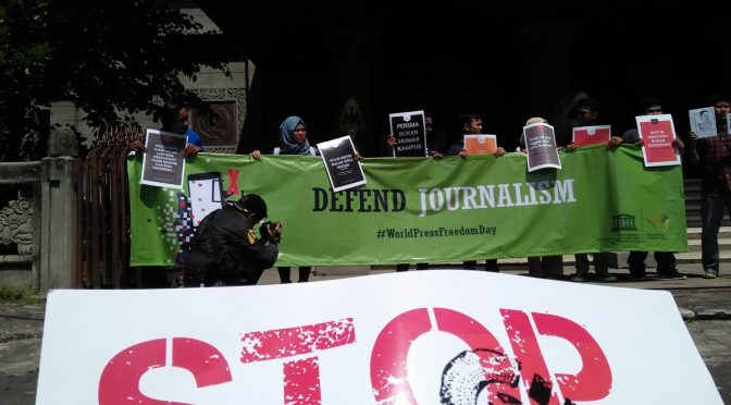Aksi AJI & PPMI Solo di World Press Freedom Day 2019: Setop Kekerasan!